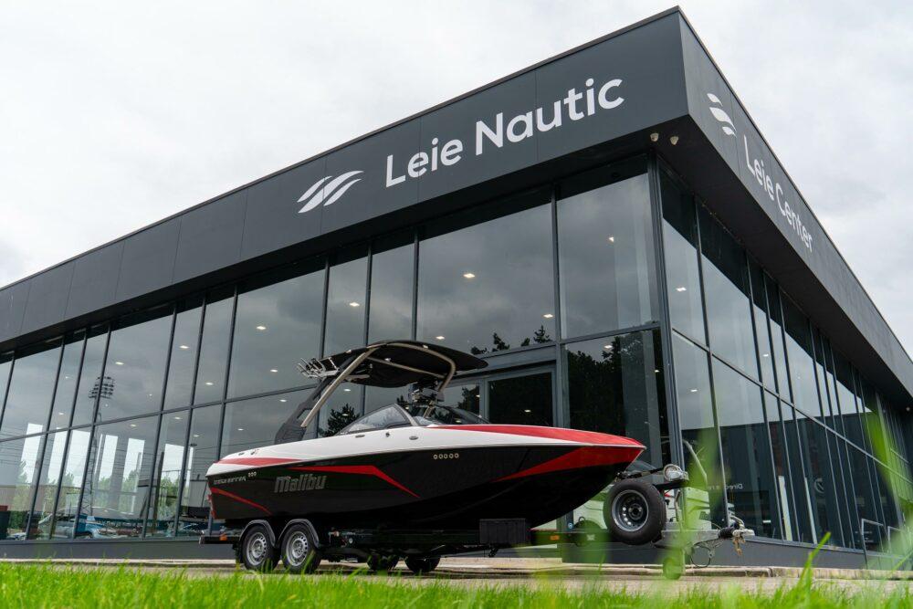 Malibu-Boats-Wakesetter-21-VLX